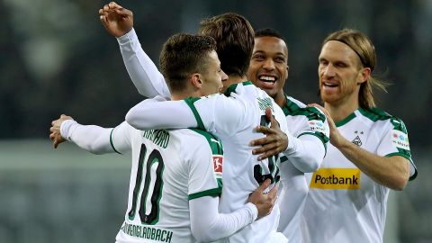 Hazard-ous Gladbach rout Hannover