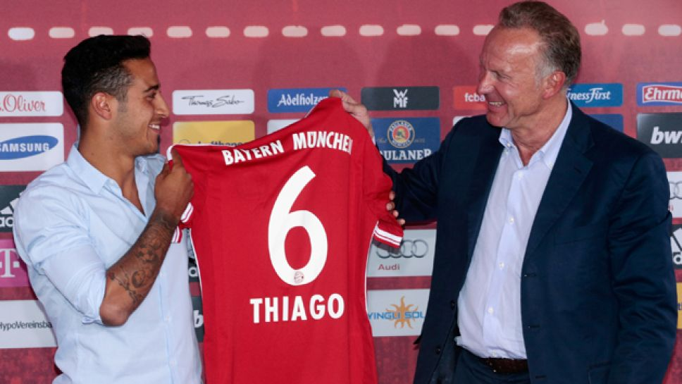 Bundesliga | Thiago presented at FC Bayern | FC Bayern Munich