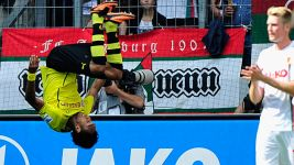 Aubameyang hat-trick has Dortmund flying