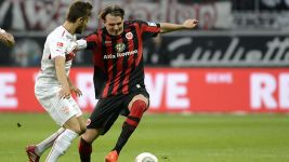 Frankfurt come from behind to beat Stuttgart