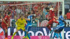 Bayern thrash Hamburg to kick season off with a bang