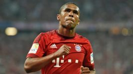 Douglas Costa on social media