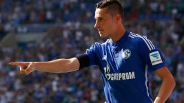 Schalke held by Darmstadt