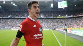 Clinical Mainz clinch Gladbach scalp