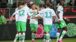 Wolfsburg extend unbeaten home run with Schalke win