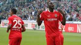Hannover beat Bremen to earn first win of the season
