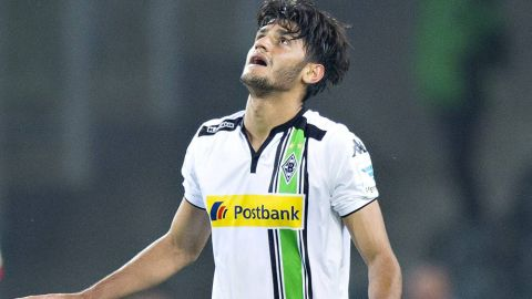 Watch: Dahoud's cracker vs. Augsburg