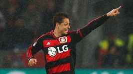 'Chicharito' double as Bayer hold Roma